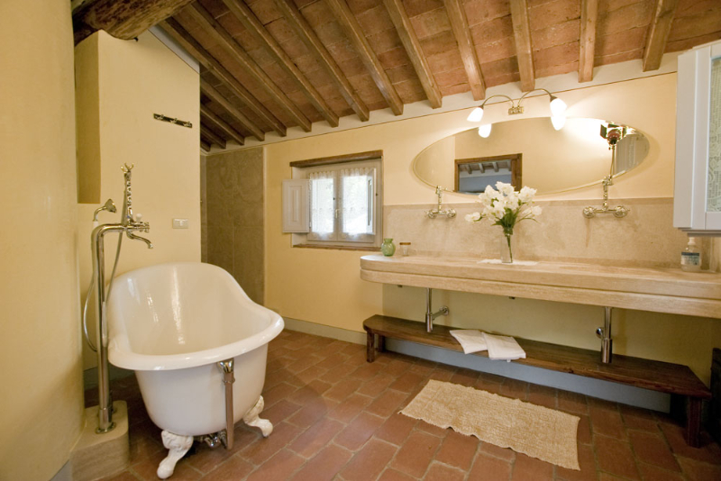 Casali in val di chio castiglion fiorentino in for Interni ristrutturati